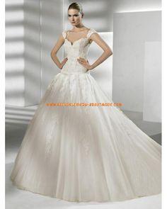 Luxuriöse traumhafte Brautmode aus Softnetz und Satin Herzausschnitt