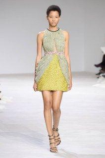 Giambattista-Valli-Spring-2016-Haute-Couture-Runway06