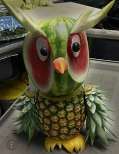 The Effective Pictures We Offer You About food carving fruits and vegetables A quality picture can t Watermelon Carving Easy, Watermelon Art, Watermelon Animals, Fruits Decoration, Amazing Food Art, Fruit Animals, Fruit Creations, Food Sculpture, Fruit Sculptures