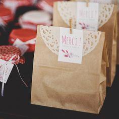Mariage - Cadeaux invités en papier kraft #mydoitbox #deco #diy #mariage #wedding #gift #guest #invités #cadeaux #sacenpapier #kraft