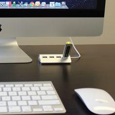 "Modern Workspace  :: Satechi Premium 4 Port Aluminum USB Hub (9.5"" cable) for iMac, MacBook Air, MacBook Pro, MacBook, and Mac Mini (Silver)"