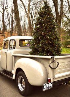 Ohh, Christmas tree... #HomespunChristmas