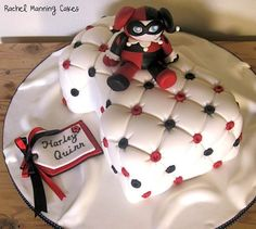 A completely unsexualized Harley Quinn...too cute!  Almost don't want to eat it.