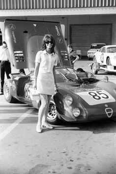 Women & Alfas - Page 236 - Alfa Romeo Bulletin Board & Forums