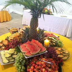 Food table displays wedding fruit table display decorations displays for weddings decorating ideas rustic wedding reception . Catering Display, Catering Food, Catering Ideas, Havanna Party, Wedding Reception Food, Wedding Catering, Wedding Ideas, Rustic Wedding, Cheese Display