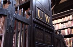 The oldest public library in the English-speaking world. Where Marx and Engels studied and wrote in Manchester. One of the jewels of the UK. Beautiful Library, Old Libraries, Free Things To Do, Stuff To Do, Public, Romance, Around The Worlds, Architecture, Manchester England