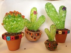 Glass Cactus, Cactus Pot, Cactus Planta, Cactus Y Suculentas, Fused Glass Art, Stained Glass, Glass Figurines, Recycled Bottles, Glass Flowers