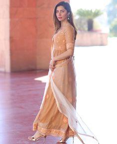 Pakistani Models, Pakistani Actress, Pakistani Dresses Casual, Pakistani Dress Design, Mahira Khan Dresses, Frock Fashion, Women's Fashion, Indian Girls Images, Dress Indian Style