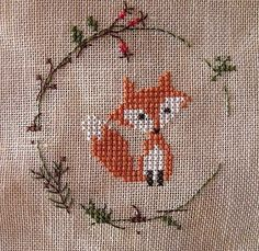 Fox cross stitch. (actual link: http://mon-jardin-sur-la-toile.over-blog.com/article-christiane-dahlbeck-jahres-zeiten-renard-ecureuil-herisson-123608214.html ) #badges
