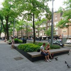 STREETLIFE Podium Isles @ Beethovenstraat Amsterdam. #StreetFurniture #GreenBench #Amsterdam