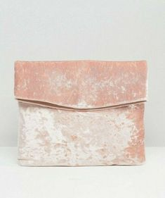 Pink Velvet, Pretty In Pink, Decorative Boxes, Beautiful, Fashion, Moda, Fashion Styles, Fashion Illustrations, Decorative Storage Boxes