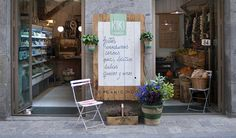 Kiki Market Outdoor Chairs, Outdoor Furniture, Outdoor Decor, Elle Decor, Madrid, Cool Stuff, Bar, Places, Travel