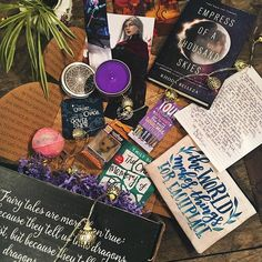 Alright I think most of the Fairylooters got their box by now & honestly I can't resist any longer 😇 Here it is, my unboxing of the magnificent February @fairyloot box! I hope I waited long enough not to spoil you guys. 💜 But man oh man. Can we take a minute to appreciate the stunning content of this box? Because I sure can! All of it. Special shoutout to @tillanddill for the beautiful bookmark ❤️ Anissa you are a genius. You really are. I have so much respect for you and the amazing brand…
