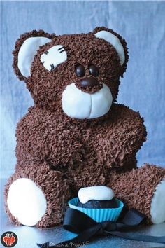 Mr. Teddy Bear Cake - What a cute cake for your little one - good instructions are posted here for making this fabulous cake.