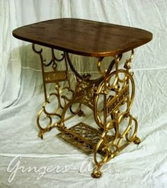 Sewing machine table makeover projects Ideas for 2019 Shelf Brackets Vintage, Wood Shelf Brackets, Wood Shelves, Cherry Wood Floors, White Wood Floors, Singer Sewing Tables, White Wood Furniture, Wood Box Centerpiece, Old Sewing Machines
