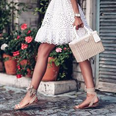 "15.3 mil Me gusta, 197 comentarios - Annabelle Fleur (@vivaluxuryblog) en Instagram: ""Details... @maisonvalentino sandals & @prada bag #ootd #whatiwore #love"""