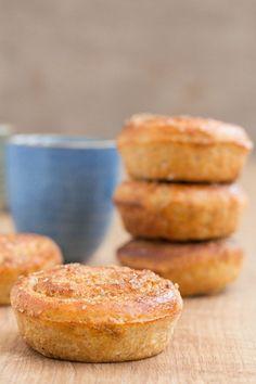 This delicious Scandinavian cardamom swirl buns recipe, made in a muffin tin, make a warming cold day treat. Cardamom buns recipe. Cardamom rolls.
