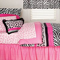 Pink animal print girl's bedding - my daughter would love this