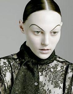 Artist In Oman: Makeup Artist Watch: Kabuki Bald Cap, Pierrot Clown, High Fashion Makeup, Crazy Makeup, Creative Makeup, Creative Art, Makeup Art, Makeup Stuff, Costumes