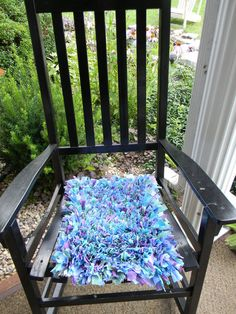 My daughter fell in love with the shaggy rag rugs so we decided to make one from recycled materials. Hers is a small. Just the right size for a seat cover, dres…