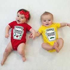 Twins Matching Outfits for Boy or Girl, Premium Ketchup and Mustard Outfits Licensed by Heinz Cute Baby Twins, Baby Kostüm, Baby Kids, Dj Twins, Cute Baby Halloween Costumes, Twin Halloween, Funny Baby Clothes, Funny Babies, Baby Outfits