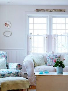 Love love LOVE the madras plaid chair and pillo!! WANT IT!!