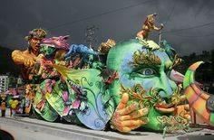 Paper mache in Columbia, carnival float from: Carroza Carnaval de Negros y Blancos