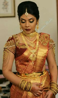 Beauty Pictures: south indian bride in saree Blouse Designs Silk, Designer Blouse Patterns, Bridal Blouse Designs, Kerala Bride, South Indian Bride, Bridal Silk Saree, Saree Wedding, Wedding Dresses, Gold Jewelry
