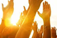 Hände, Sonne, Outdoor, Draußen, Open Air, Klatschen, Festival... Mensch, watt willse mehr?