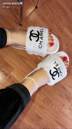Sneakers Fashion, Fashion Shoes, Fashion Outfits, Chanel Fashion, Cute Sandals, Shoes Sandals, Flats, Heeled Boots, Shoe Boots