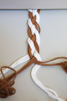 HOW TO: 4-strand braid (braided belt tutorial)