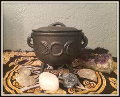 Large Triple Moon Cast Iron Cauldron Candle ~ Dragons Blood Soy Candle ~ Wicca ~ Witch ~ Cleansing ~ Purification ~ Altar Candle ~ Spells by SummerlandBB on Etsy
