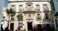Casa Palacio de los Leones El Puerto de Santa Maria Dating back to the 17th century, Casa Palacio de los Leones houses modern apartments, while still conserving the original Baroque architecture and design of this property. It features its own art gallery.