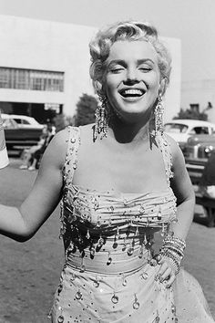 These 10 never-before-seen photos of Marilyn Monroe are so stunning