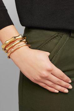 Mens Bracelet Fashion, Gucci Bracelet, I Love Jewelry, Jewelry Design, Designer Jewelry Brands, Gucci Shoulder Bag, Gold Pearl, Gold Bangles, Jewelry Branding