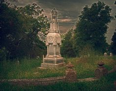 Old cemetery in Hannibal, Mo., that's fallen into disrepair