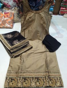 Punjabi Fashion, Bollywood Fashion, Indian Fashion, Pakistani Suits, Indian Suits, Indian Wear, Patiala Salwar Suits, Churidar, Panjabi Suit