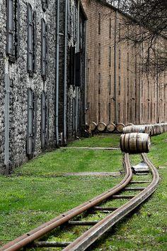 on the move | bourbon distillery, Kentucky