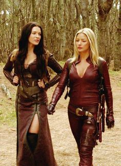 Cara x Kahlan (Legend of the Seeker). Two of the hottest women on earth. Love them