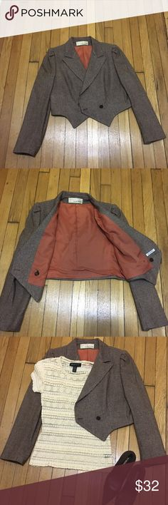 Bert Newman Vintage Jacket Brown tweed-like jacket in excellent pre-owned condition. Size 12. Excellent cropped jacket, lined, warm yet light-weight. Great piece to transition into spring. Jackets & Coats Blazers