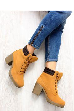 Heel boots model 71224 Inello. Size Insole lenght    36 23,5 cm   37 24 cm   38 25 cm   39 25,5 cm   40 26 cm   41 27 cm