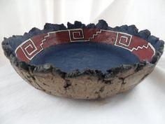 MIS ARTESANIAS: Cuenco con guarda Precolombina Paper Mache Bowls, Paper Mache Clay, Paper Bowls, Paper Clay, Paper Art, Ceramic Bowls, Ceramic Art, Pasta Piedra, Clay Bowl