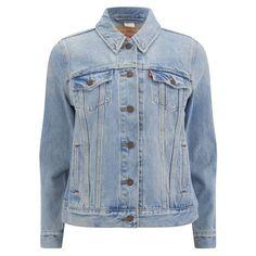 Levi's Women's Boyfriend Trucker Denim Jacket ($125) ❤ liked on Polyvore featuring outerwear, jackets, coats, denim jackets, blue, blue jackets, levi's, levi jacket, jean jacket and denim jacket