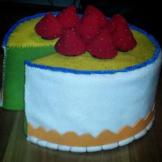 #props #felt #cake Felt Cake, Desserts, Diy, Food, Build Your Own, Postres, Bricolage, Deserts, Hoods