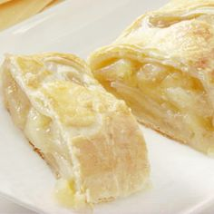 Pepperidge Farm® Puff Pastry: Easy Apple Strudel When you pull this warm strudel from the oven, everyone will think it took hours to prepare. Not true, because this recipe uses puff pastry sheets and canned pie filling. Easy Apple Strudel Recipe, Strudel Recipes, Puff Pastry Recipes, Apple Recipes, Puff Pastries, Fall Recipes, Brunch Recipes, Breakfast Recipes, Dessert Recipes