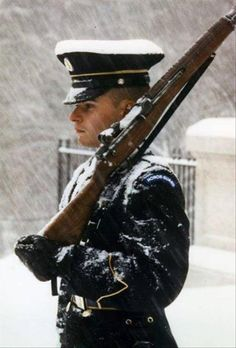 Tomb of the Unknown Soldier Arlington National Cemetery. 24 hours a day, 365 days a year there is an American Patriot Guarding The Unknown Soldier Cemetery, no matter how bad the weather is. Gi Joe, My Champion, National Cemetery, Military Photos, Military Life, Military Humor, Military Service, Military Families, Military Personnel