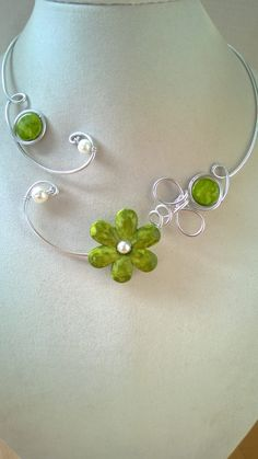 Open necklace Flower necklace Aluminium wire necklace Metal jewelry green Your place to buy and sell all things handmade Aluminum Wire Jewelry, Wire Jewelry Rings, Resin Jewelry, Cute Jewelry, Modern Jewelry, Pearl Jewelry, Crystal Jewelry, Jewelry Box, Jewelry Bracelets
