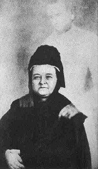 In honour of Valentine's Day, have a picture of Mary Todd Lincoln with the 'ghost' of her late husband. Deeply invested in the occult for most of her life, Mary became consumed with contacting Abraham Lincoln after his untimely assassination in Pictures Of Mary, Ghost Pictures, Ghost Pics, Mary Todd Lincoln, Abraham Lincoln, Spirit Photography, Ghost Photography, Post Mortem, After Life