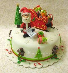 Santa cake, so cute! Noel Christmas, Christmas Goodies, Christmas Treats, Christmas Baking, Christmas Cakes, Xmas Cakes, Christmas Cake Designs, Christmas Cake Decorations, Holiday Cakes