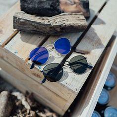 Een #MVO-relatiecadeau voor een bedrijf in aluminium werd deze trendy zonnebril, volledig gemaakt van gerecyclede blikjes. Het Spaanse #Parafina maakt ook zonnebrillen van gerecycled rubber, kurk en plastic! #duurzaam #eco #groen Gadget Gifts, Cat Eye Sunglasses, Gadgets, Rubber, Plastic, Instagram, Fashion, Paraffin Wax, Appliances